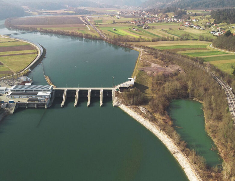 What are Hydroelectric Dams?